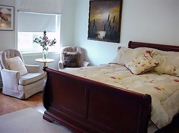 A Suite Dreams Toronto B&B in Toronto