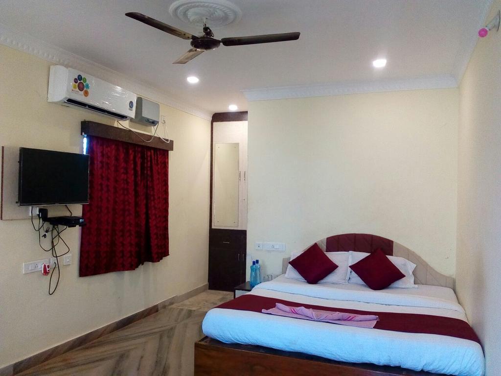 Goroomgo Homestay Green Puri in Puri
