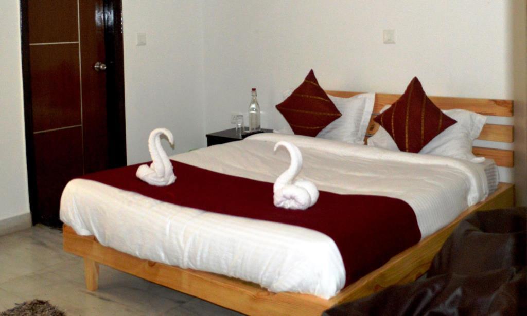 HOTEL CELESTIAL INN in Noida