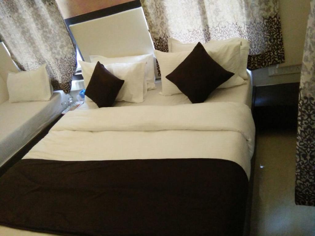 Hotel Dream Inn in Sarkhej