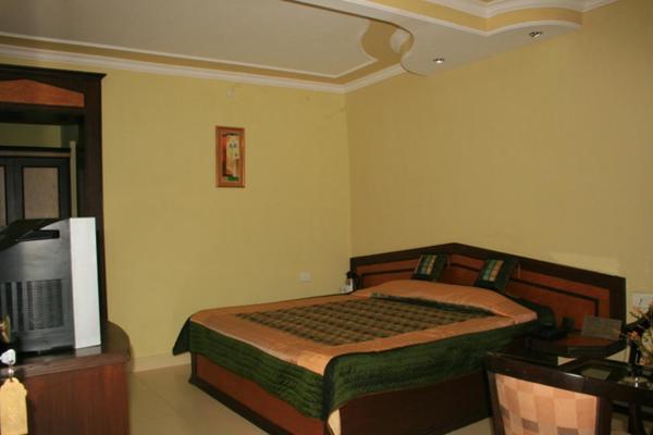 Hotel Pine Havens in kausani
