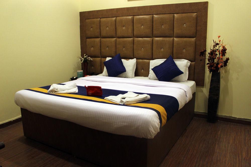 Hotel Purvanchal Residency in New Delhi