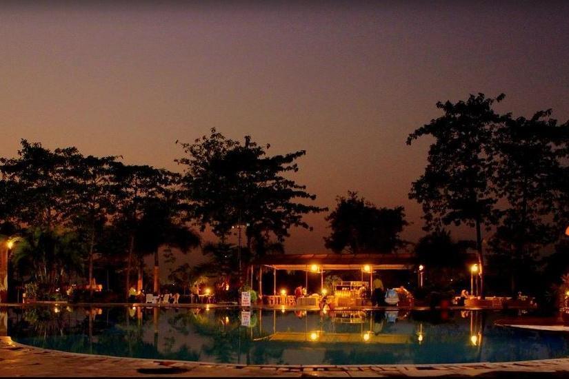 Hotel River Winds Resort in mumbai