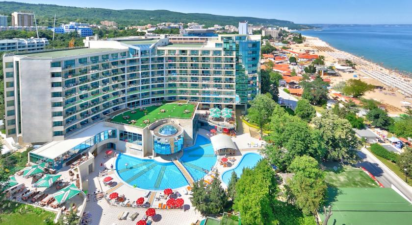 Marina Grand Beach Hotel in Zlatni Pyasatsi