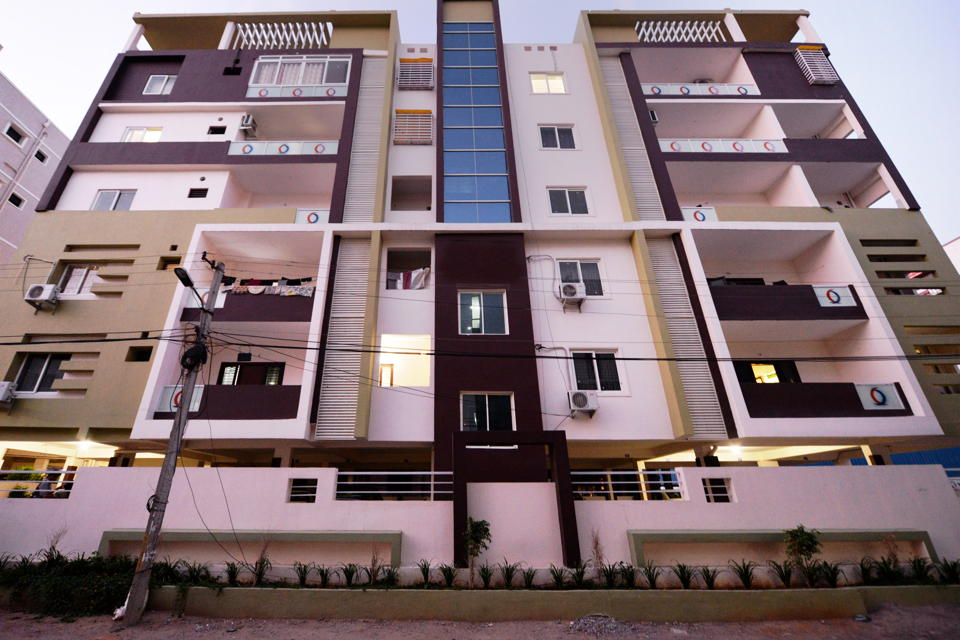 OYO 1096 Apartment Hotel The Icon Homes in Hyderabad