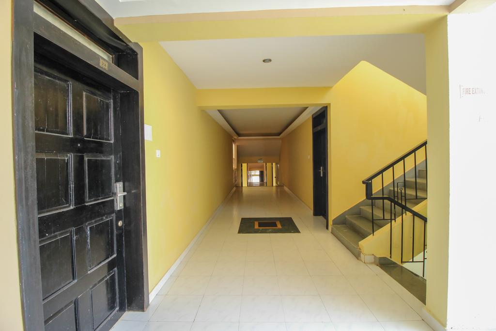 OYO Home 10798 Premium Studio Paroda in Sirvoi