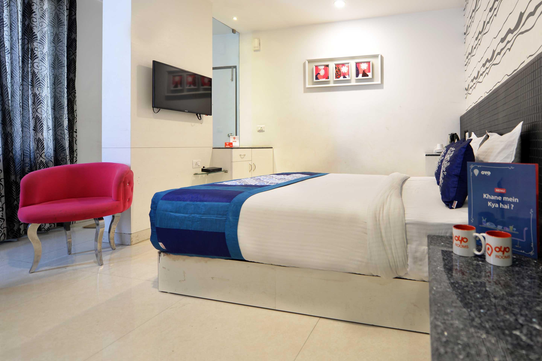 OYO 4400 Hotel Mansingh in Hyderabad