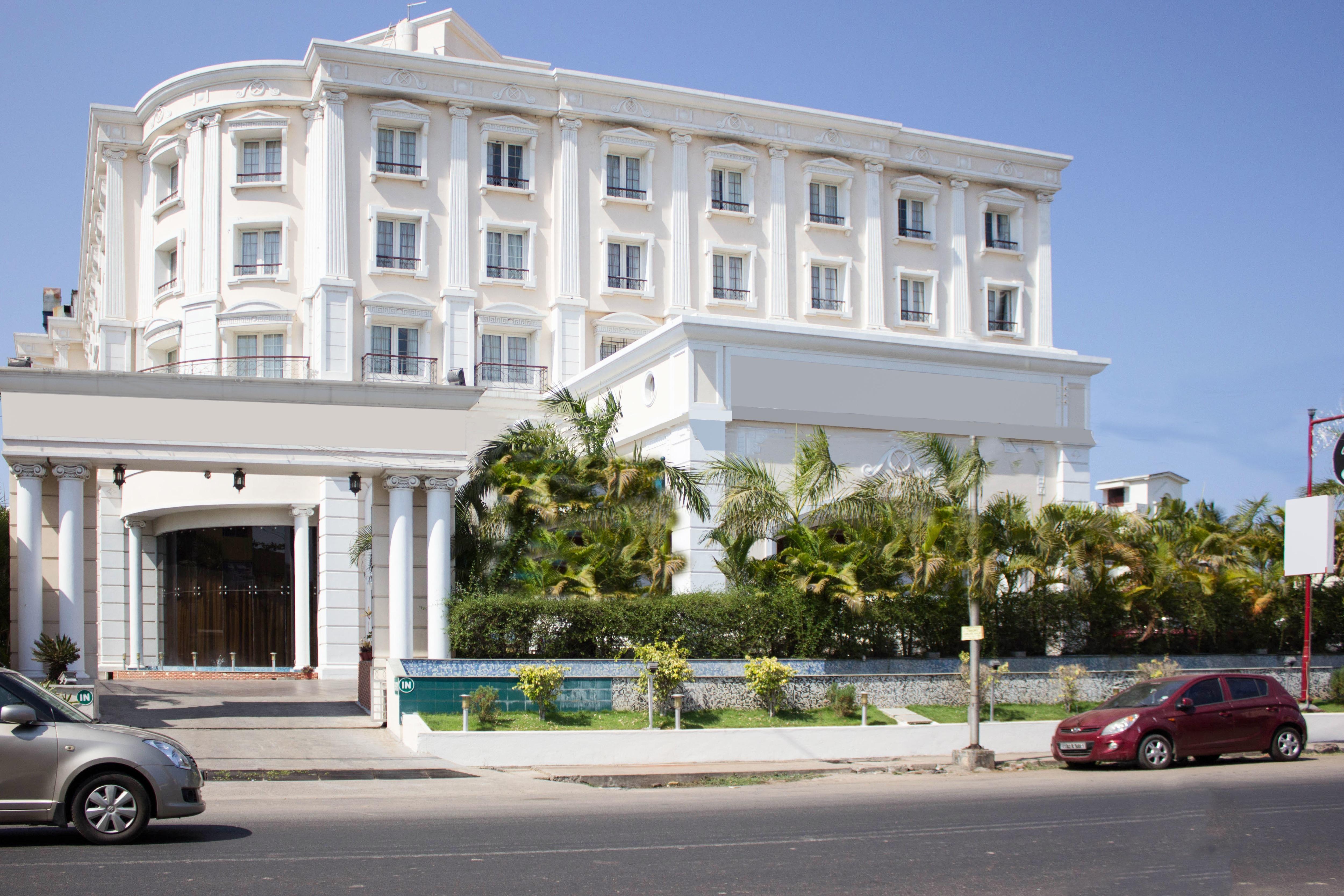 OYO 5079 Hotel Le Royal Park in Pondicherry