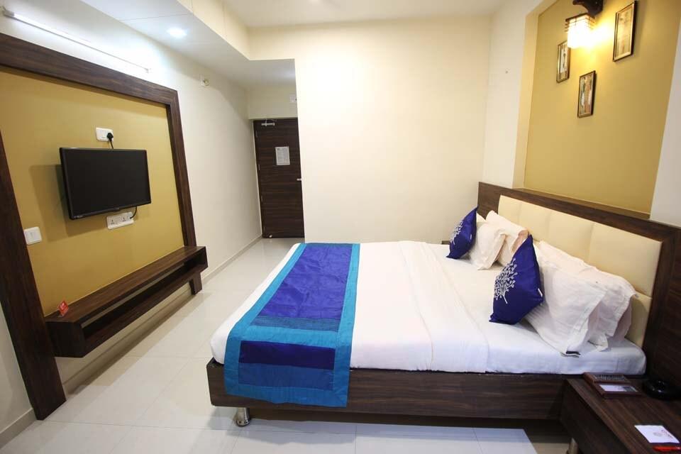 OYO 1323 Hotel Galaxy Inn in Ahmedabad