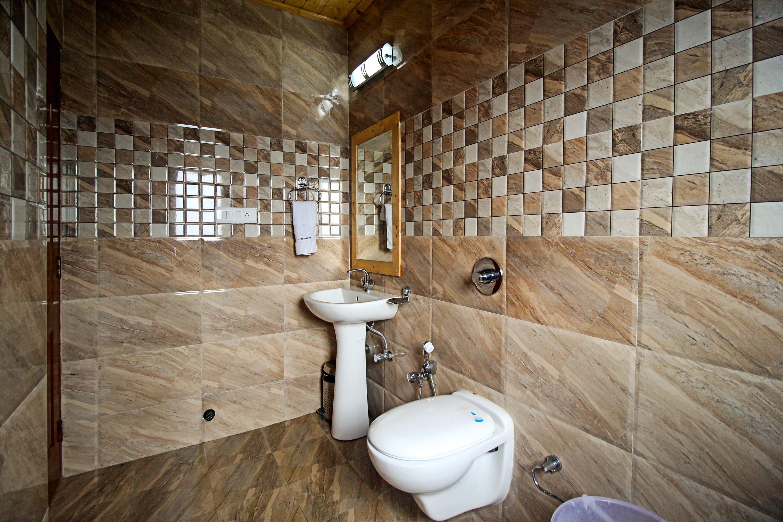 OYO 6675 Hotel Comfort Inn in shimla