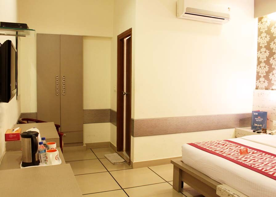 OYO 2356 Hotel Gian Residency in karnal