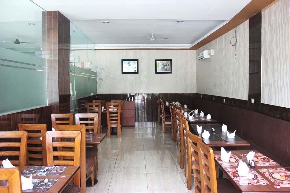 OYO 1880 Hotel Royale Park in Gurgaon