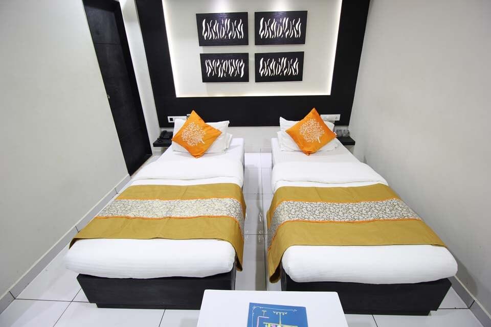OYO 1319 Hotel Paramount Inn in Rajkot