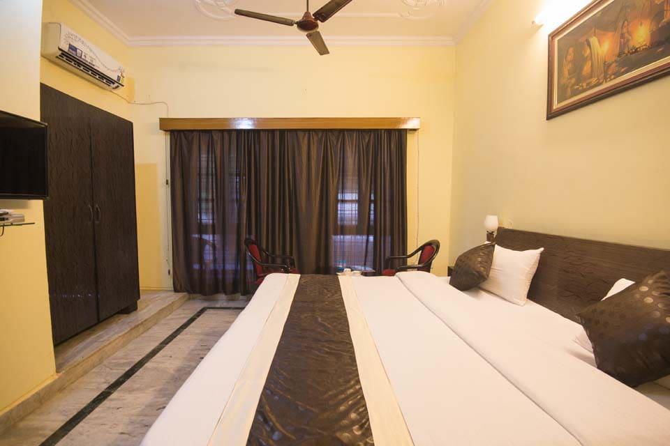 OYO 2380 Hotel Eden in Lucknow