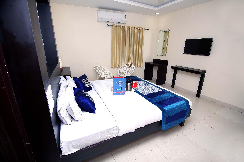 OYO 2348 Hotel Green Tree in raipur