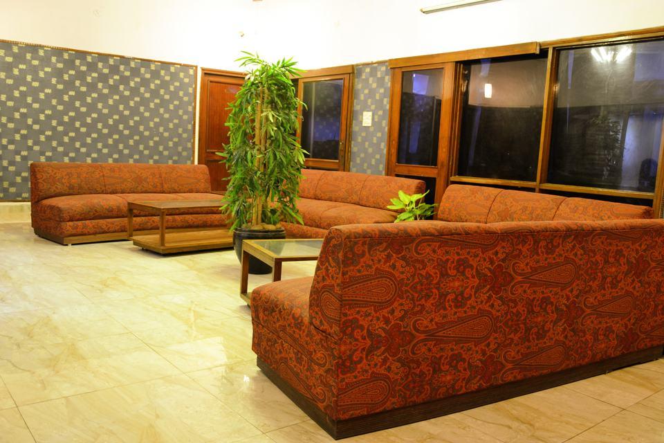 OYO 1754 Hazratganj in Lucknow