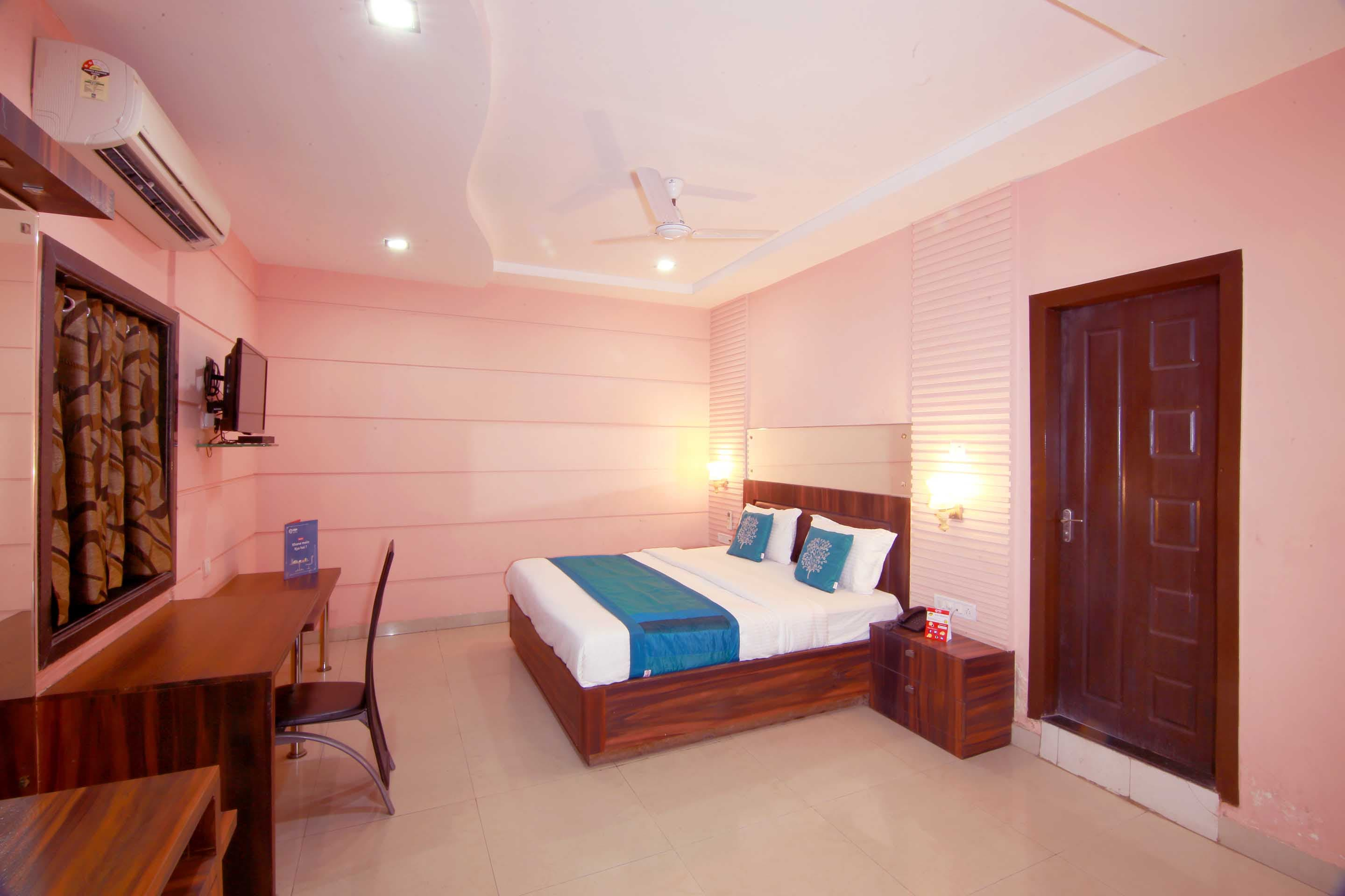 OYO 4127 Hotel City Pulse in Raipur