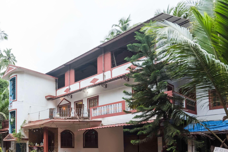 OYO 7290 StayOut Villa Emmanuel in goa