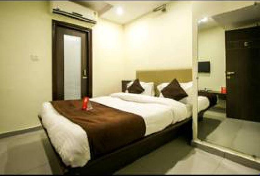 Rajdhani Hotel in vadodara