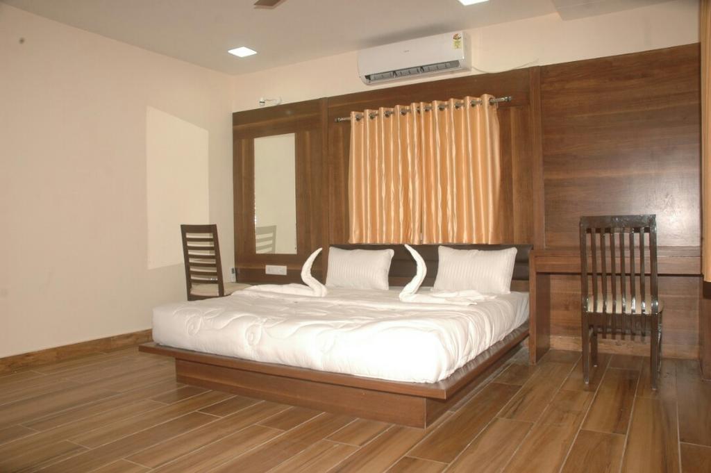 Sapphire Rooms Gir in Mendarda