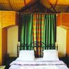 Scarlet cottages in Manāli