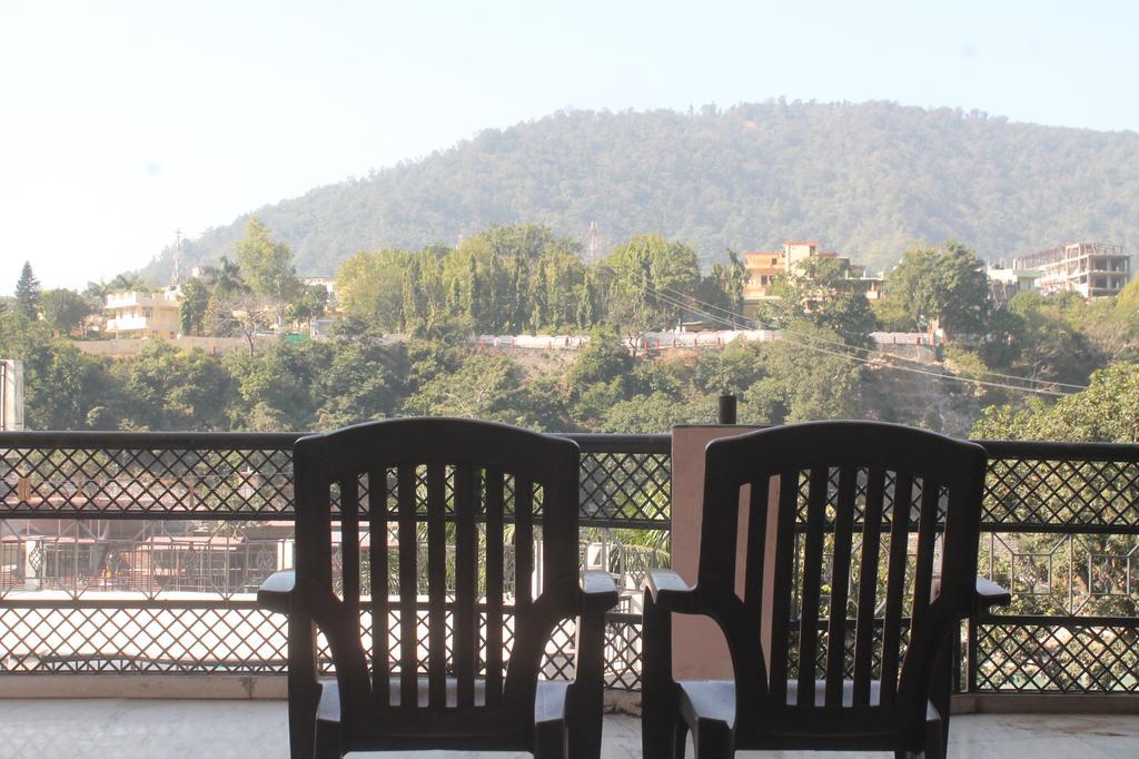 Serene Homestay near Laxman Jhula in Narendranagar