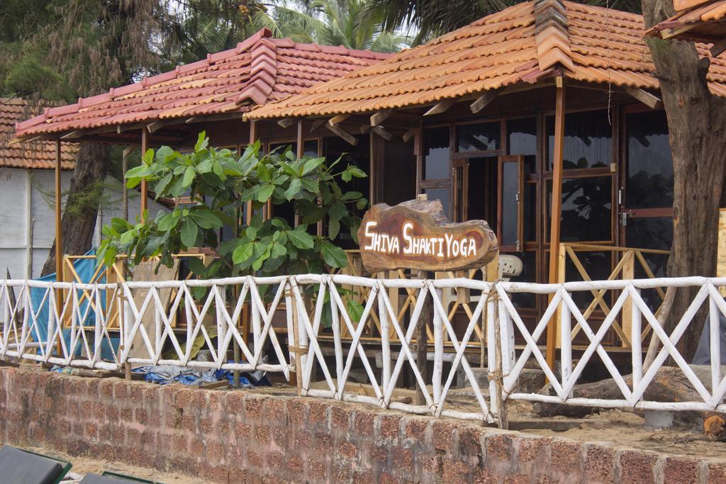 Shiva Shakti Yoga Beach Resort in Patnem