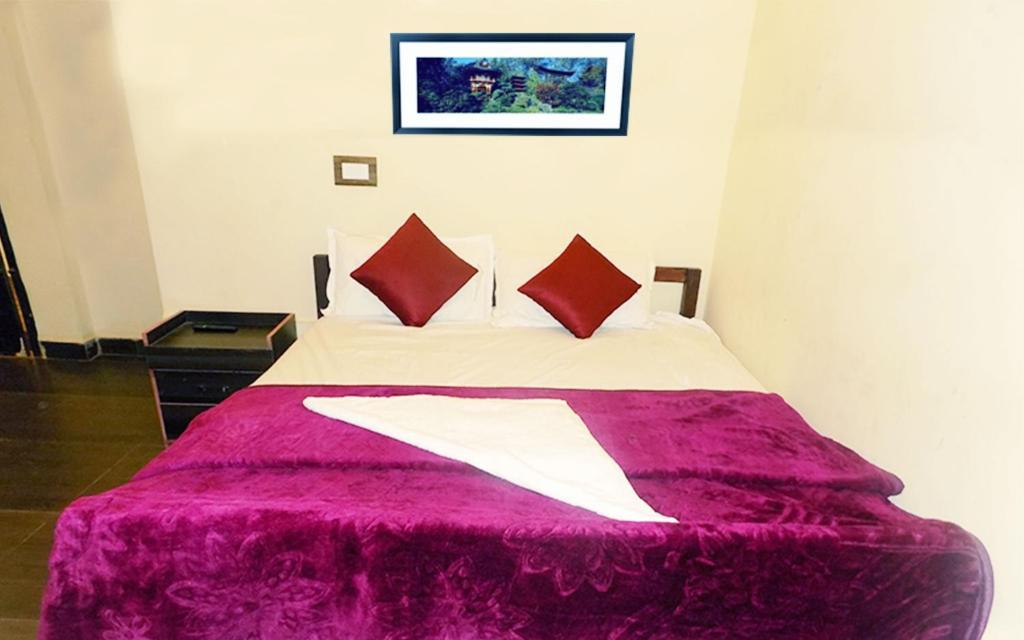 Subhiskham inn in Palni