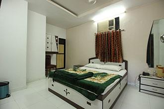 Sunlight Guest House in mumbai