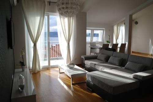 Apartments Jadranka in Grizane