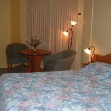 Hopkins House Motel & Apartments in Warrnambool