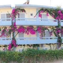 Michel Apartments in Foinikia