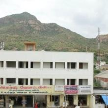 Aakaash Hotel in Tiruvannamalai
