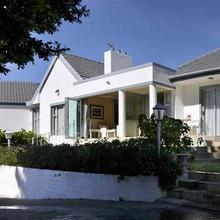 Alba House Guest House in Suider-paarl