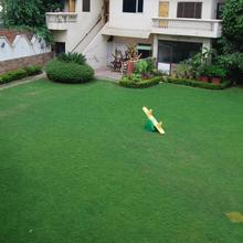 Alka Motel in Sikandrabad