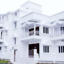 Anamitra Guest House in Dum Dum