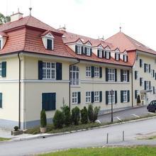 Apartments & Wellness Center Patricia in Miljana