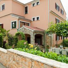 Apartments Villa Nikola in Spanidiga