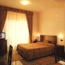 Arcobaleno Residence Hotel in Taureana