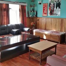 Ashmi Home Stay in Yangang