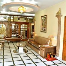 Bajaj Indian Home Stay in Sarchu