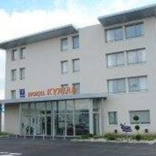 B.Hotel in Houdain