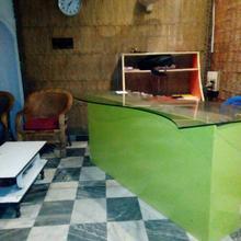 Bilas Hotel in Dharapur
