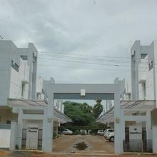The Palm Service Apartment in Tambaramsntrm