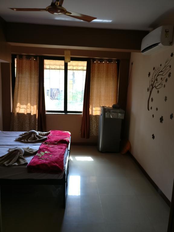 Caldeira's Luxury Apartment in Vaibhavwadi