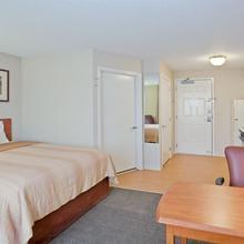 Candlewood Suites Topeka in Menoken