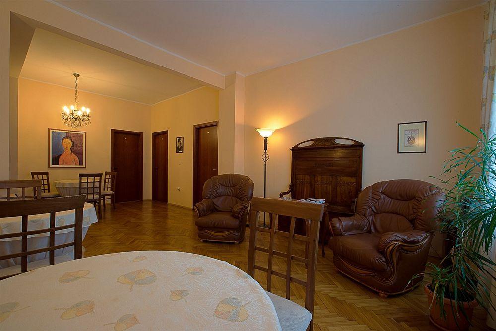 Casa Ferrari Bed & Breakfast in Vladaya