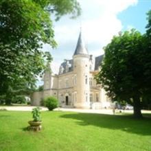 Chateau Des Reynats & l'Orangerie in Cornille