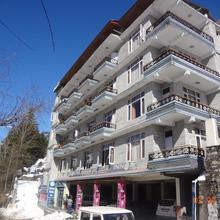 Chichoga Holiday Inn in Manali