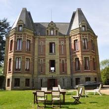 Château De La Croix Bizet in Theillement